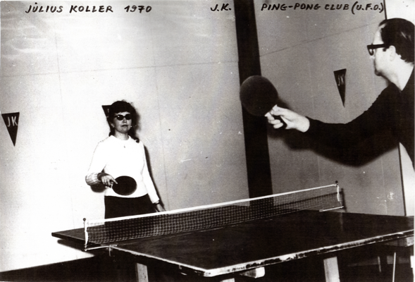 JÚLIUS KOLLER, « J.K. Ping-Pong Club » (U.F.O), 1970, Exhibition in gallery of Young Artists, Bratislava, Photo : Milan Sirkovsky