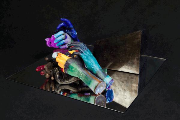 Loredana Sperini, E invece non finische mai, 2010, Wax, mirror in plexi bell, 22x51x54 cm