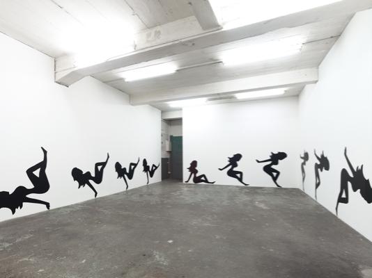 Virginia Overton, 16 Mudflap girls (360°), 2011, Adhesive vinyl, 137x2365 cm